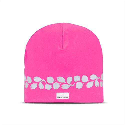 Nice and soft hat with reflectives and a trending color of fuxia. Reflectivepattern similar lingonberries runs around the hat