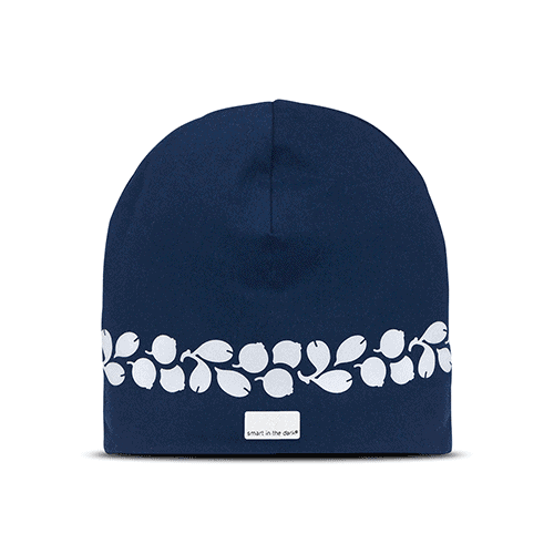 Soft reflectivehat with a deep color of navy blue. Reflectivepattern similar lingonberries around the hat